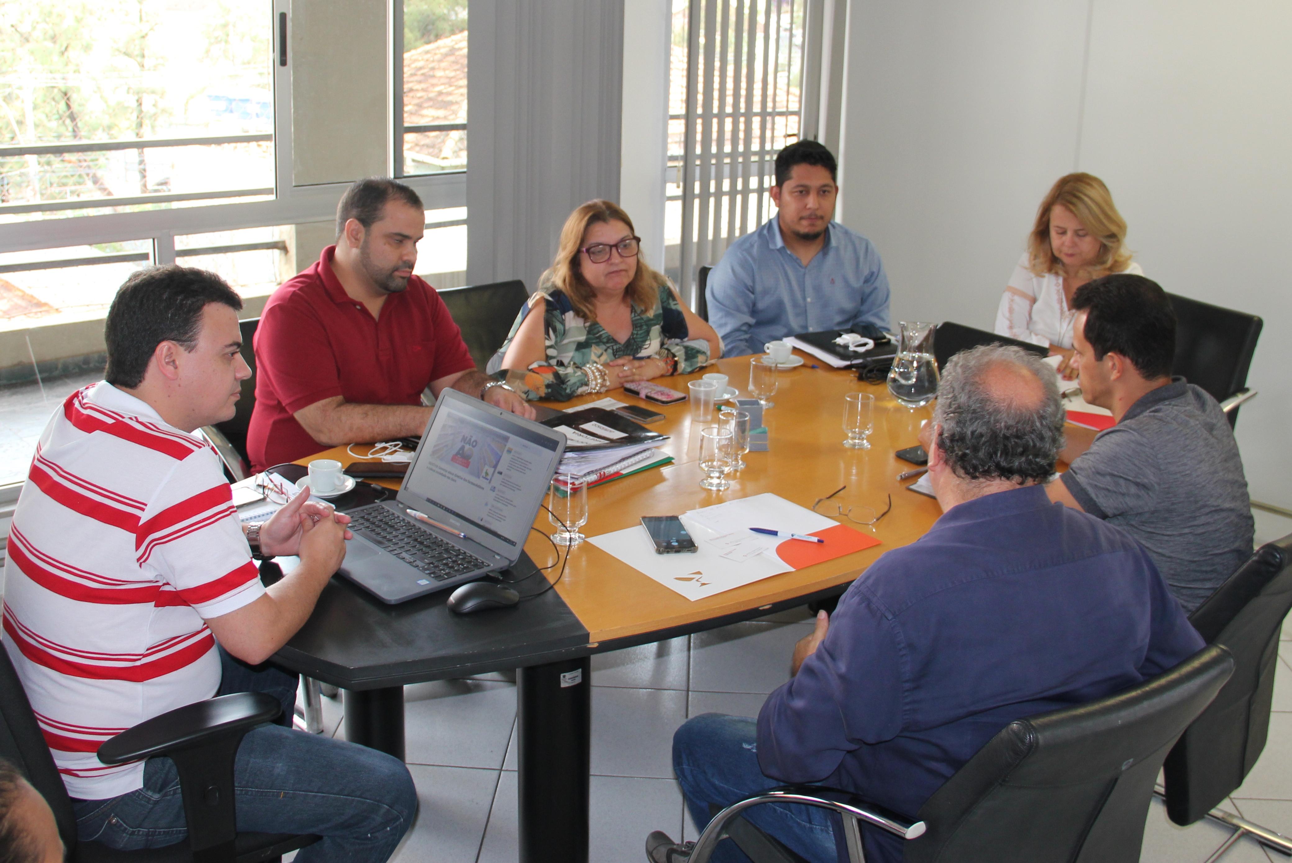 CRF/MG fecha parceria para o fortalecimento do Sindicato dos Farmacêuticos de Minas Gerais